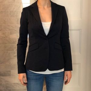Fitted navy Tristan blazer, made in Canada